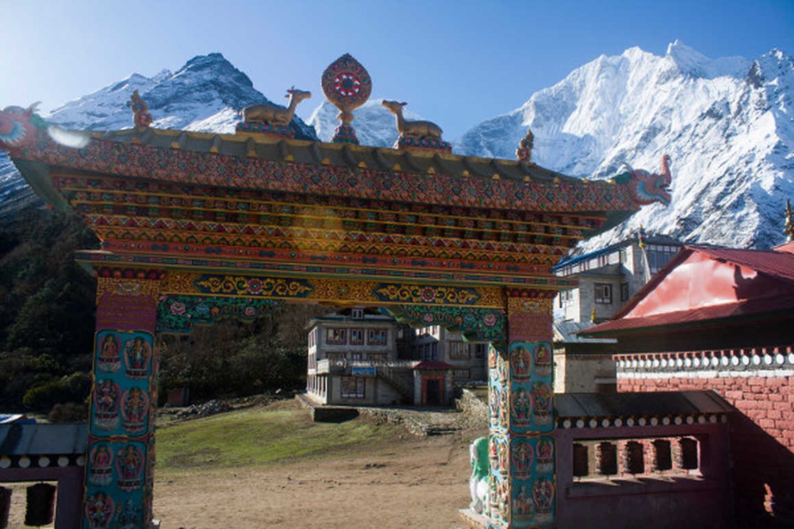 7-awesome-reasons-to-hike-the-everest-base-camp-trek-monastery