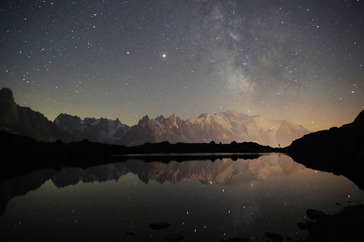 Starry night in front of the Mont Blanc