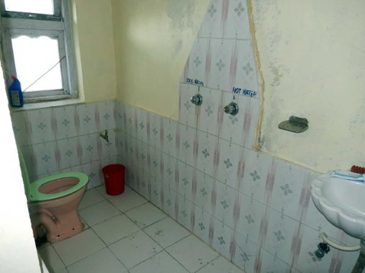 Teahouse bathroom