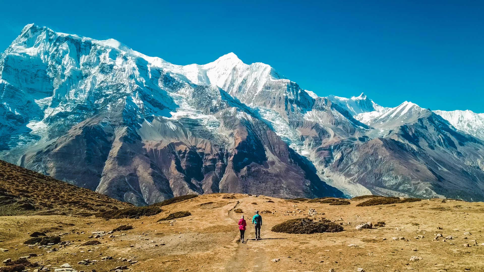 Hikers during the Annapurna circuit trek