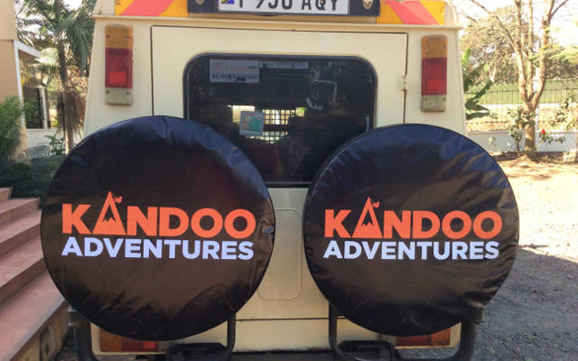Kandoo Safari Vehicles