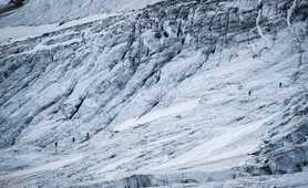 Glaciar hike in the Gran Paradiso massif