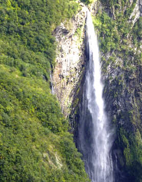 Trou de fer waterfall in the Piton des Neiges massif