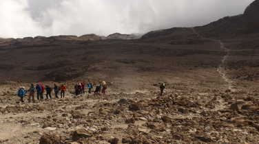 Hikers during the Kilimanjaro ascent, before arriving in Barafu