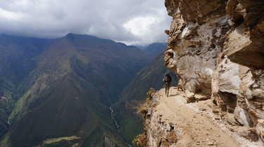 Imprressive cliff passage during the Choquequirao trek
