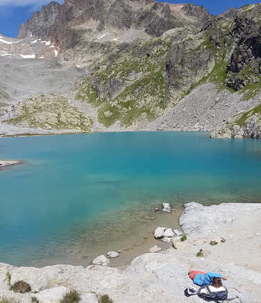Nap in front of the lac blanc