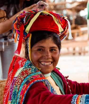 Peruvian woman wearing traditionnal clothes