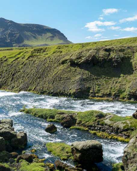 River and mountain in Iceland