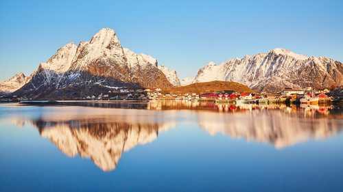 Water reflexion in the Lofoten islands