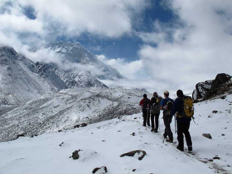 Hikers heading toward Dingboche, in Khumbu